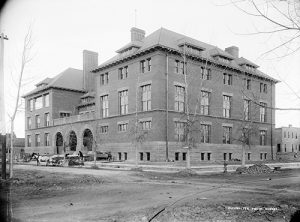A view of the first West Side High School located at 5th Ave. and Fox St. Image courtesy Stephen H. Hart Library & Research Center, History Colorado.